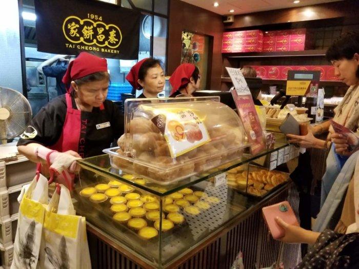 香港の泰昌餅家(タイチョンベーカリー)の店内
