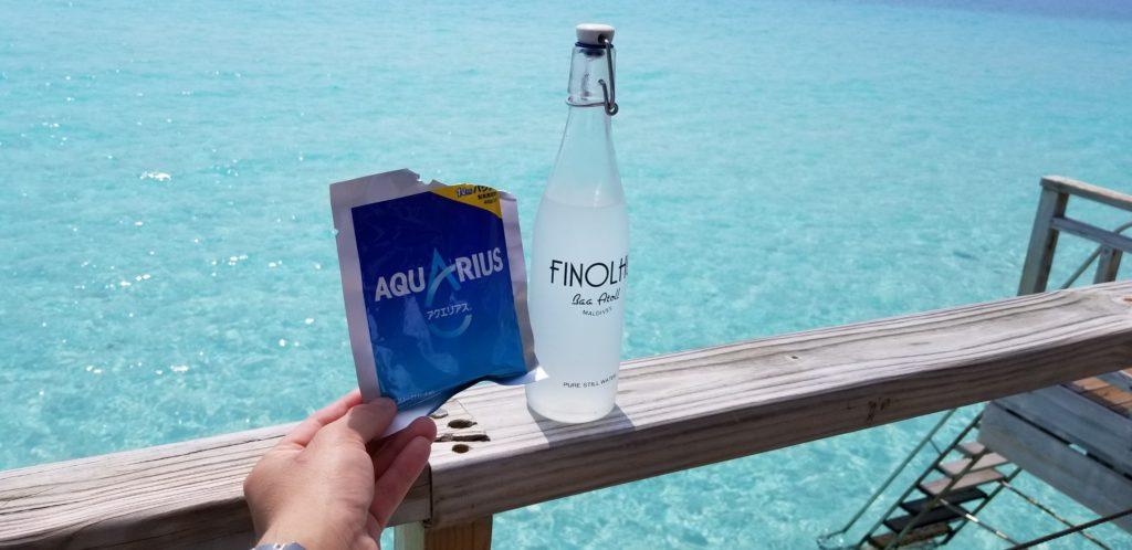 フィノールの飲料ボトルとアクエリアスの粉