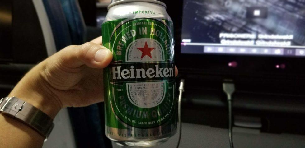 ハワイアン航空で飲んだ「ハイネケン」