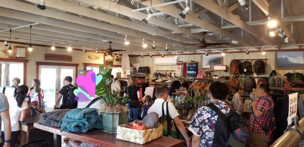 ハワイ、ハレイワにある「パタゴニア(Patagonia)」の店内2
