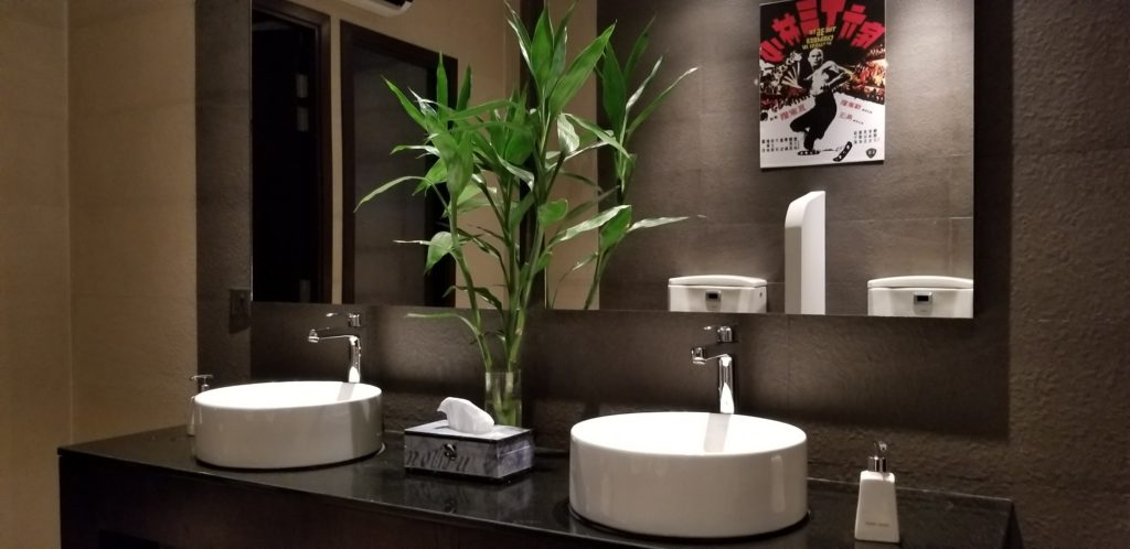 レストラン「Kanusan」のトイレも清潔感バツグン