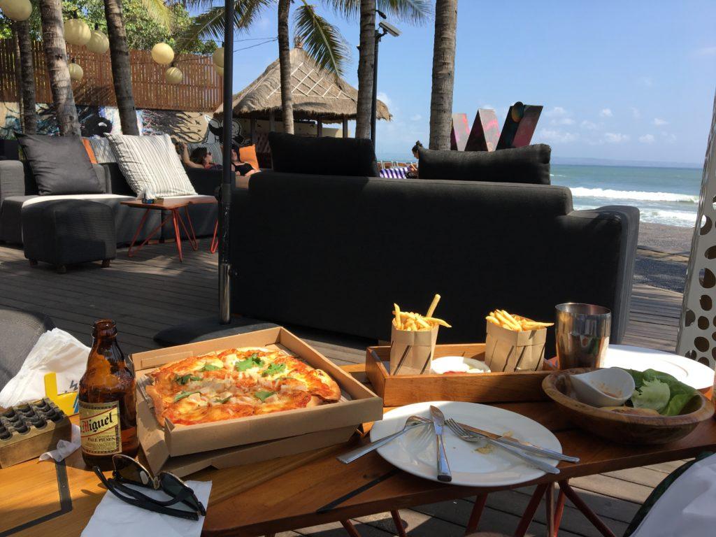 バリ島のWホテルでランチ