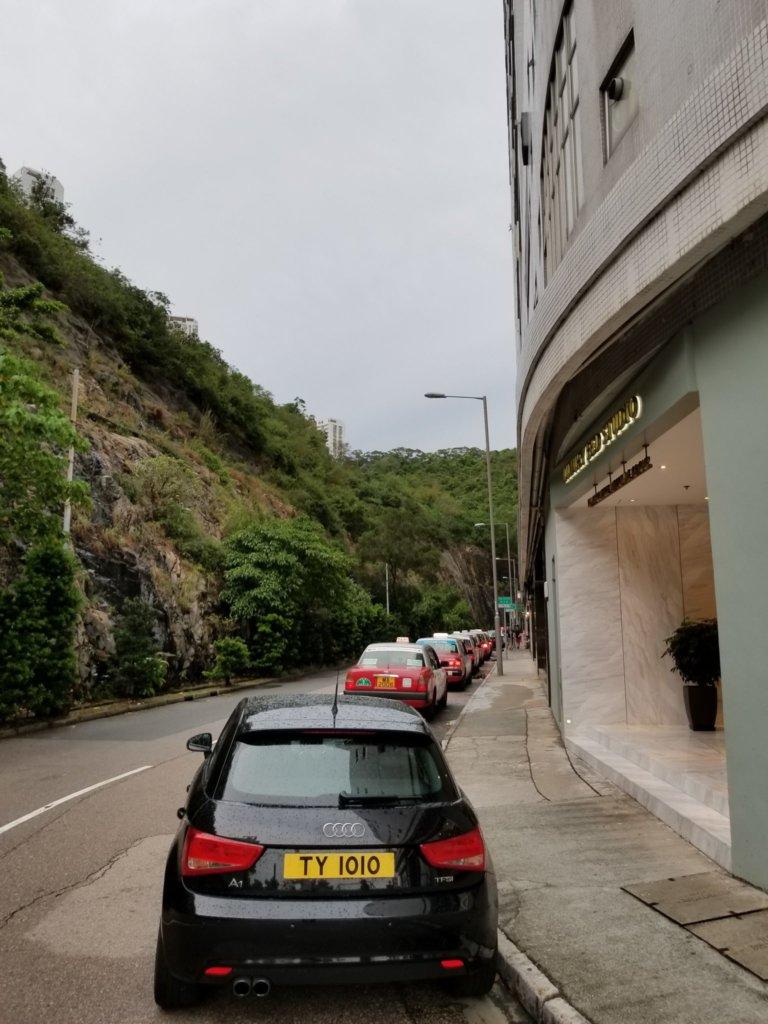 香港ホライズンプラザ周辺、タクシーがたくさん停車中