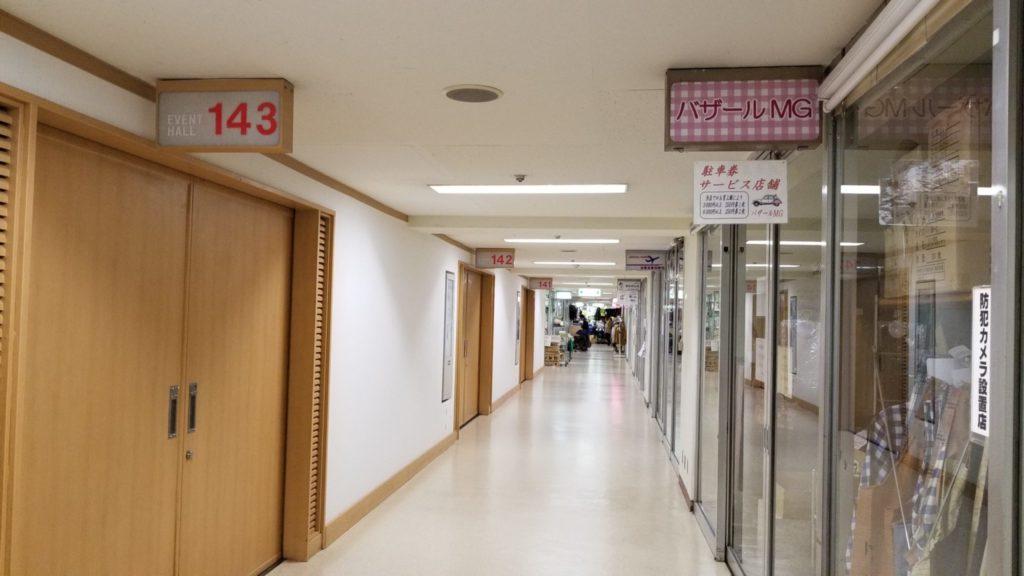 五反田TOCのB1階、イベントホールがある通路