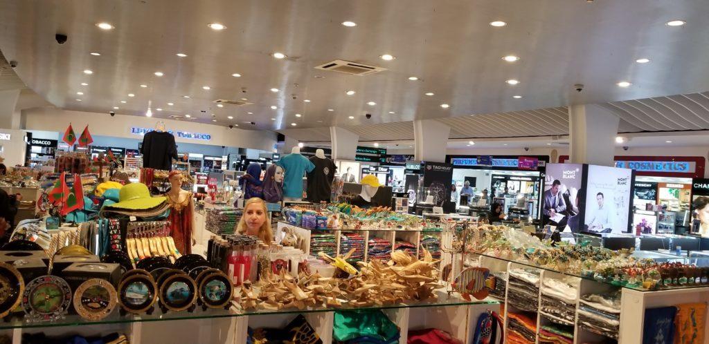 モルディブ(マーレ国際空港)のお土産売り場の写真