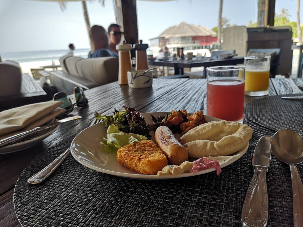 BAR BAR BEACH CLUBで朝食