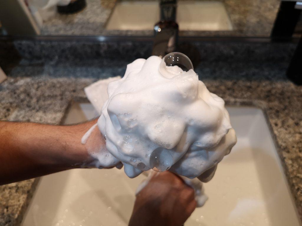 バルクオムの洗顔ネットで作った泡