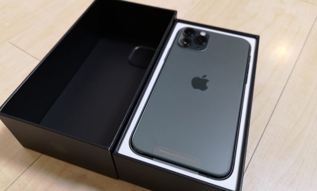 iPhone11 Proも実際に手にして触っています
