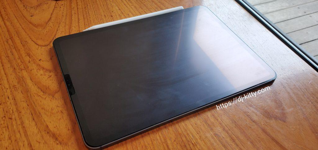 アンチグレアフィルムを装着したiPad